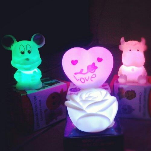 Lampu tidur berubah 7 warna, berbagai bentuk boneka, ukuran -+ 10cm ...